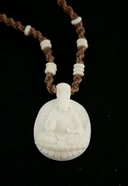 Kettenanhänger Buddha - aus Büffel Knochen geschnitzt - SCHNÄPPCHENPREIS!, Artikelnummer: si04