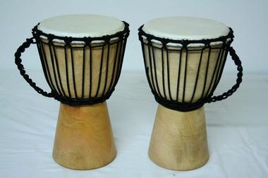 Trommel für Kinder - Djembe/africa - Höhe 30cm - Spielfläche Fell ca. 15cm - geölt SCHNÄPPCHENPREIS, Artikelnummer: dj01_2a