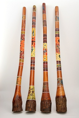 Didgeridoo Jackfruit - mit Rinde - Länge 1,5m bemalt - dot/Punktbemalung - Super Sound Quality, Artikelnummer: jfb01b